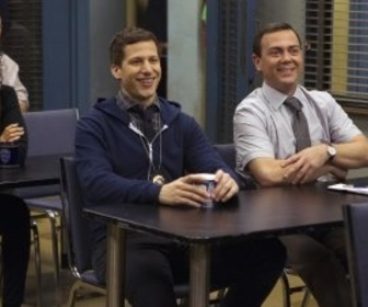 Replay Brooklyn 99 - S3 E15 : Commissariat d'accueil