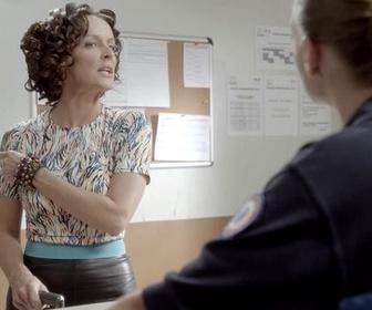 Replay Workingirls noel - L'arrivée de karine - la big boss - workingirls - webisode 1
